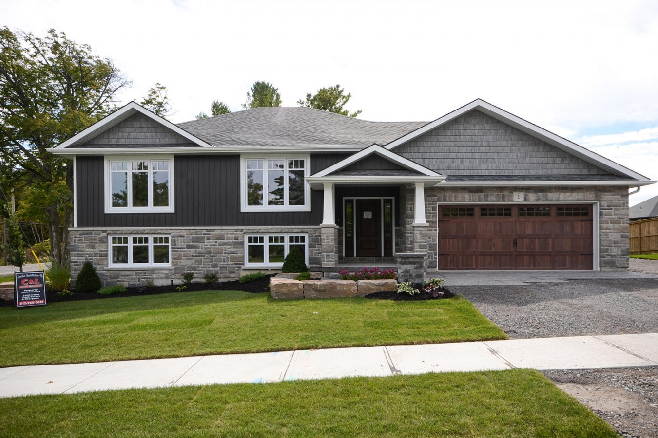 Birchmount road model home diamond homes by davis for Home by home