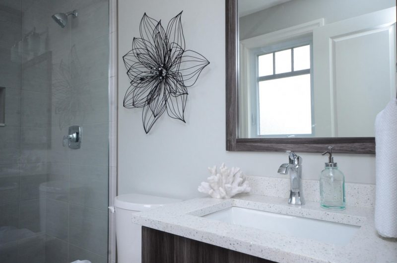 1 Birchmount Rd-large-021-18-Master Bedroom Ensuite-1500x994-72dpi