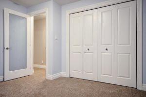 57 Aspen Dr-large-016-16-Lower Level  Bedroom-1500x1000-72dpi