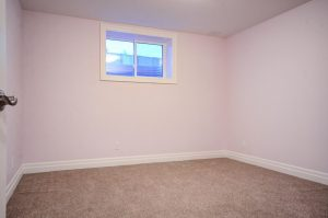 57 Aspen Dr-large-017-17-Lower Level  Bedroom-1500x993-72dpi